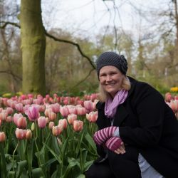Me near some beautiful pic tulips in Keukenhof Gardens
